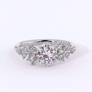 Дизайнерское кольцо из белого золота с бриллиантами