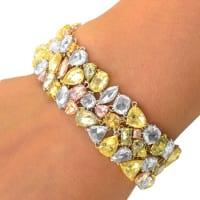 Фото браслетов с цветными бриллиантами