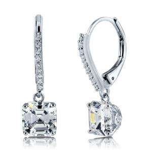 Изысканная оправа сережек для бриллиантов 2 карата