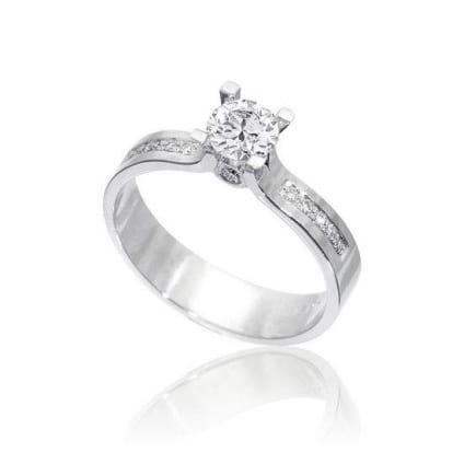 Оправа из золота: кольцо с бриллиантом от 0,5 карата