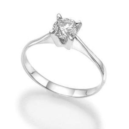 Золотая оправа - тонкое кольцо с 1 бриллиантом