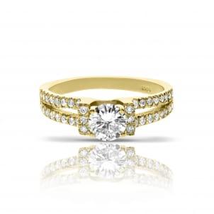 Женское кольцо из желтого золота с бриллиантами
