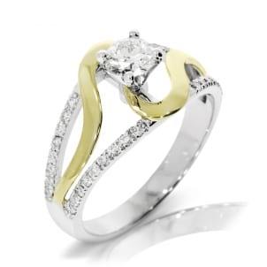 Ажурное колечко из комбинированного золота с бриллиантом