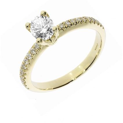 Женское кольцо желтое золото с бриллиантом