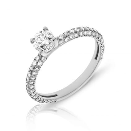 Кольцо женское золотое с центральным бриллиантом