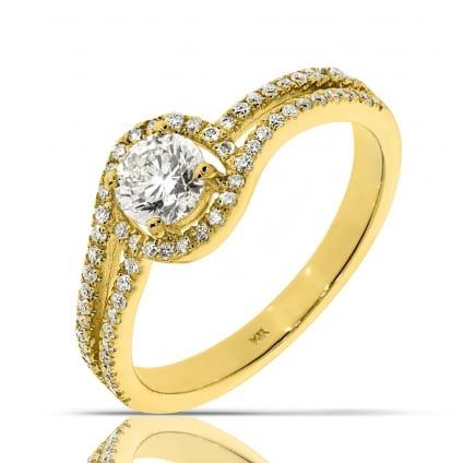 Кольцо из желтого золота с центральным бриллиантом