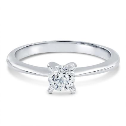 Классическая оправа кольцо с одним бриллиантом