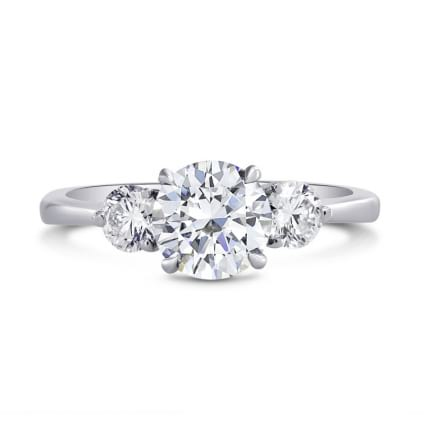 Оправа - кольцо с тремя круглыми бриллиантами