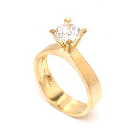 Оправа: золотое классическое кольцо с бриллиантом