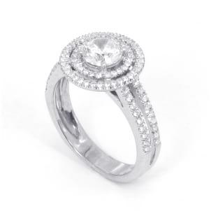 Золотая оправа: кольцо с крупным бриллиантом