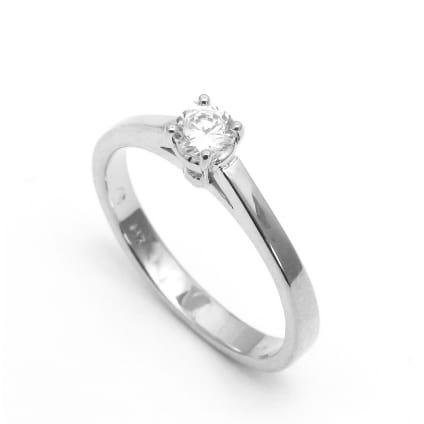 Оправа - классическое кольцо для бриллианта от 0,50 карат